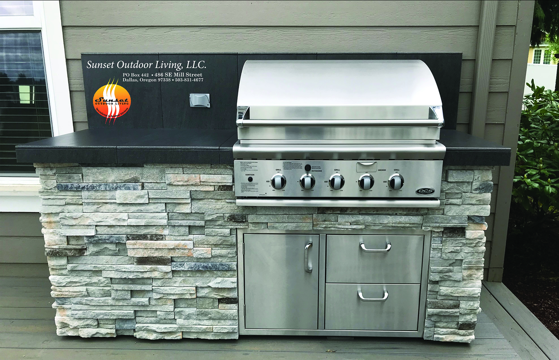 """South Salem delivery 36"""" Grill, cultured stone and porcelain tile counter top"""